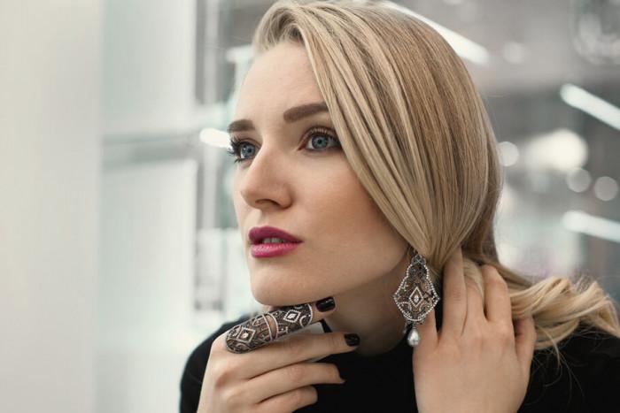 Lisa Krasnova  | Ukrainian ladies bloggers on YouTube